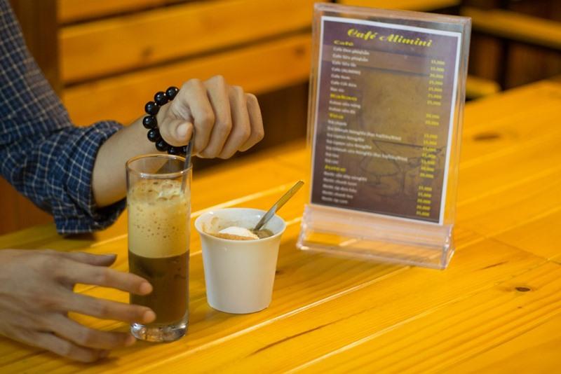cafe-sach-quang-ninh-5